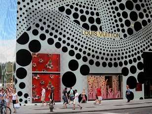Yayoi-Kusama-NYC-Dots-Yellow-Tree-AM-12-1