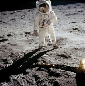 オメガ月面