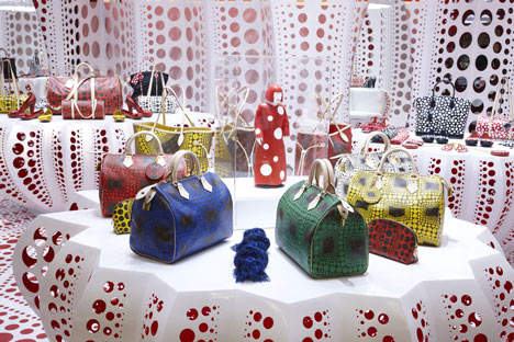 dezeen_Louis-Vuitton-and-Kusama-concept-store-at-Selfridges_11