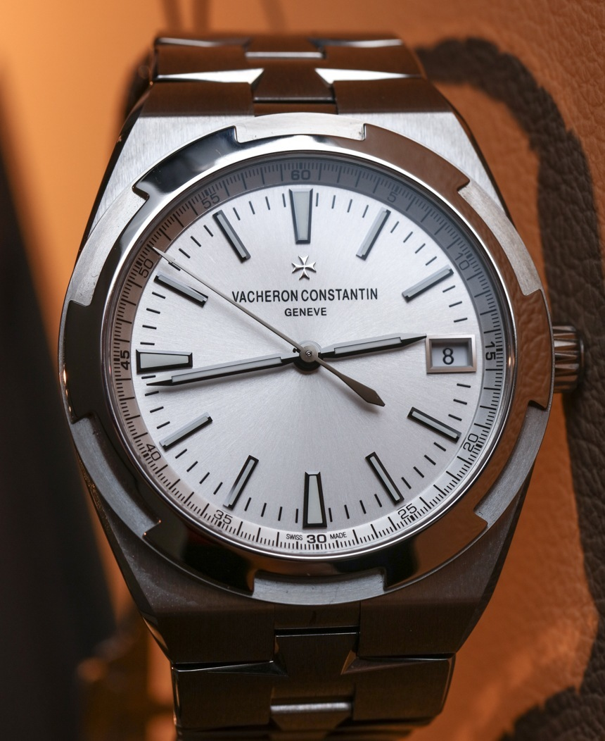 Vacheron-Constantin-Overseas-Simple-Date-3