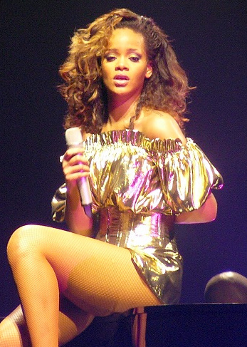 Rihanna,_LOUD_Tour,_Belfast_cropped_2